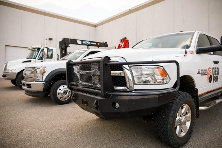 Service-Installation-And-Maintenance-World-Wide-Oil-Rig-Oilfield-Trucks-GEO-PSI